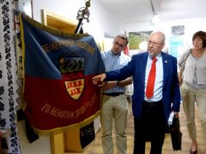 Fahne mit Siebenbürgen-Ungarn und Szekler-Wappenanteilen