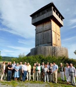 BGV-Mitglieder und Gäste vor der Motte in Küntrop